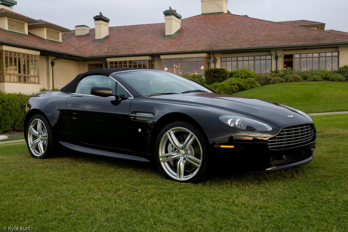 Black Beauty Aston Martin S Special Edition V8 Vantage Roadster Robb Report