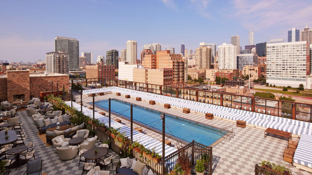 Rooftop bar at Soho House Chicago