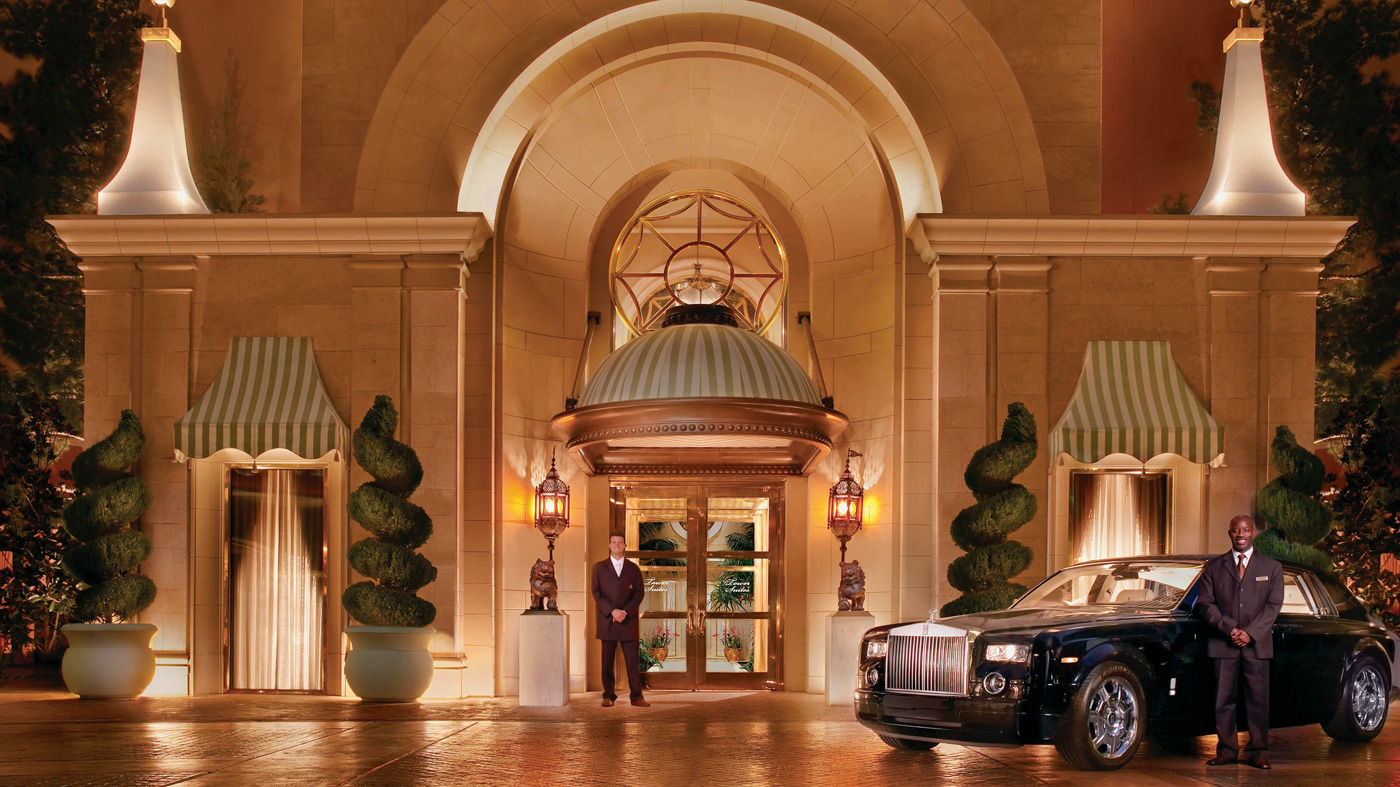 Extended wheelbase Rolls-Royce Phantoms are ready to give high-rollers a ride at Wynn Las Vegas.