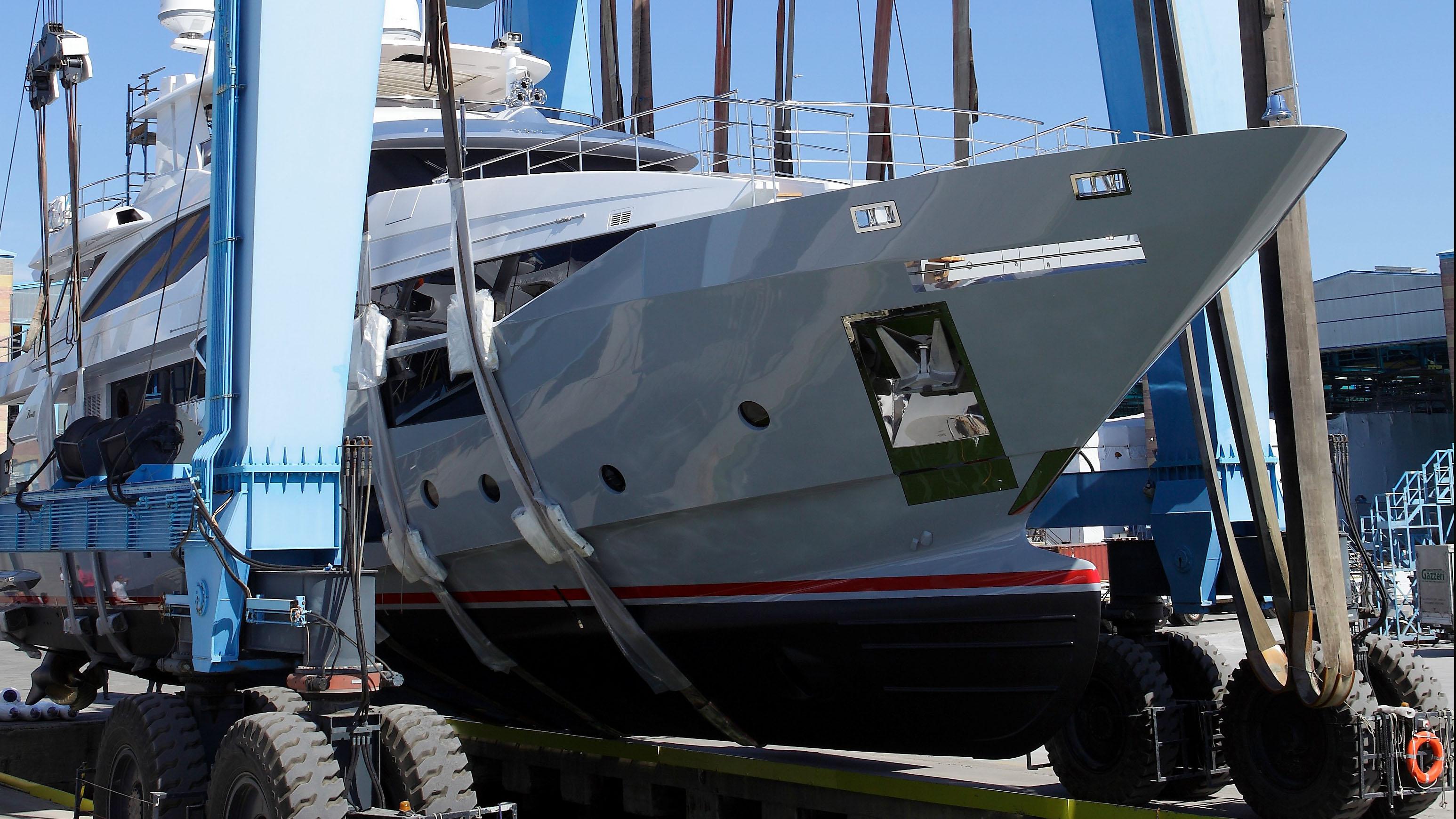 Benetti Fast 125 Lejos 3 Superyacht