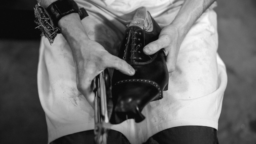Artisan builds John Lobb Bespoke Shoe