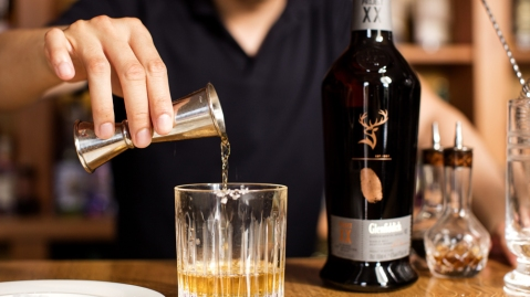 Glenfiddich Project XX: Whisky being poured