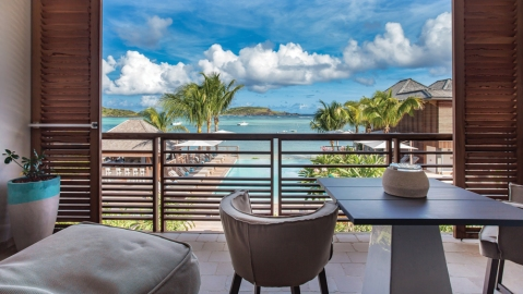Le Barthélemy is luring St. Barts regulars to Grand Cul de Sac Bay