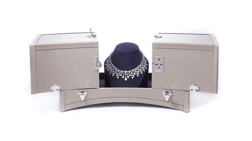 Moynat Chaumet Necklace Trunk