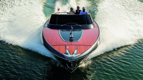 Riva Rivamare day boat Italian