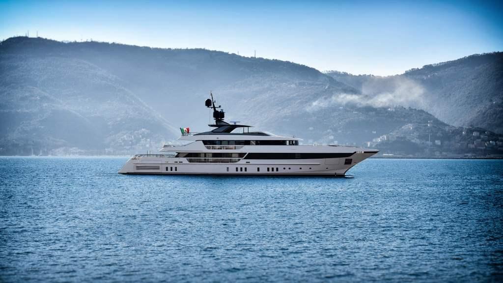 Sanlorenzo 52Steel Superyacht