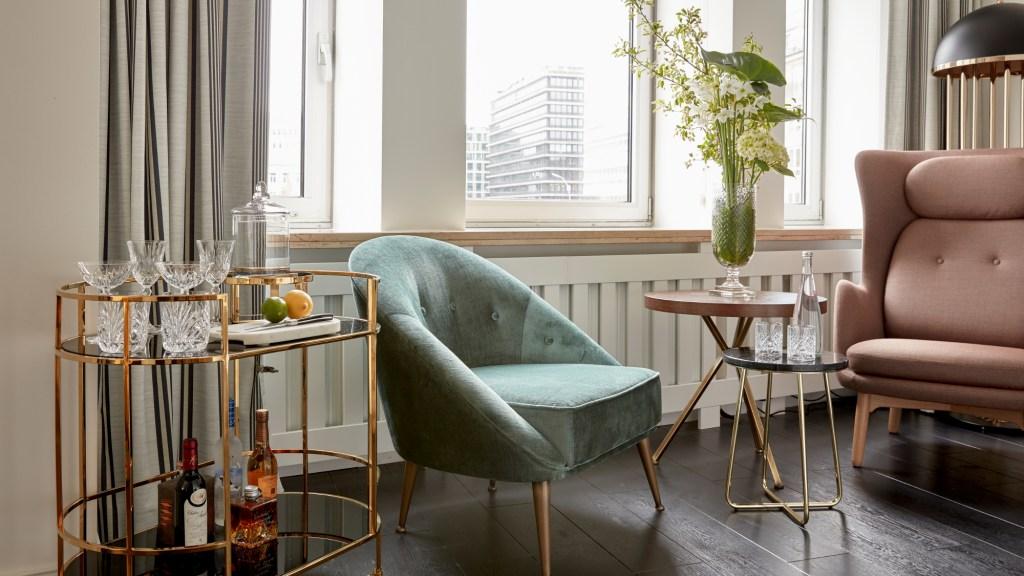 Sir Nikolai Room Interior featuring cocktail cart