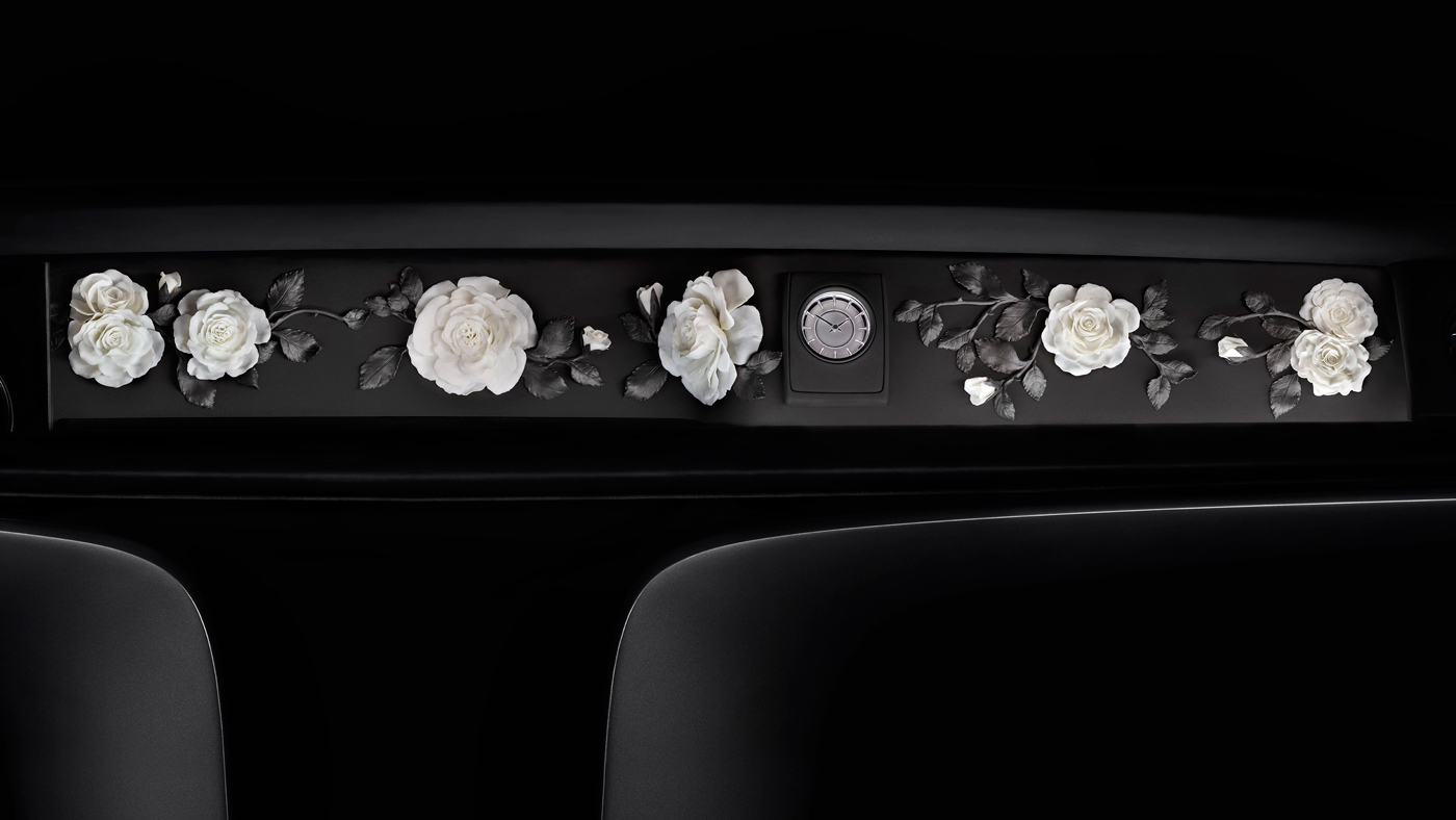 An image of a Rolls-Royce's interior gallery featuring porcelain roses crafted by Nymphenberg.
