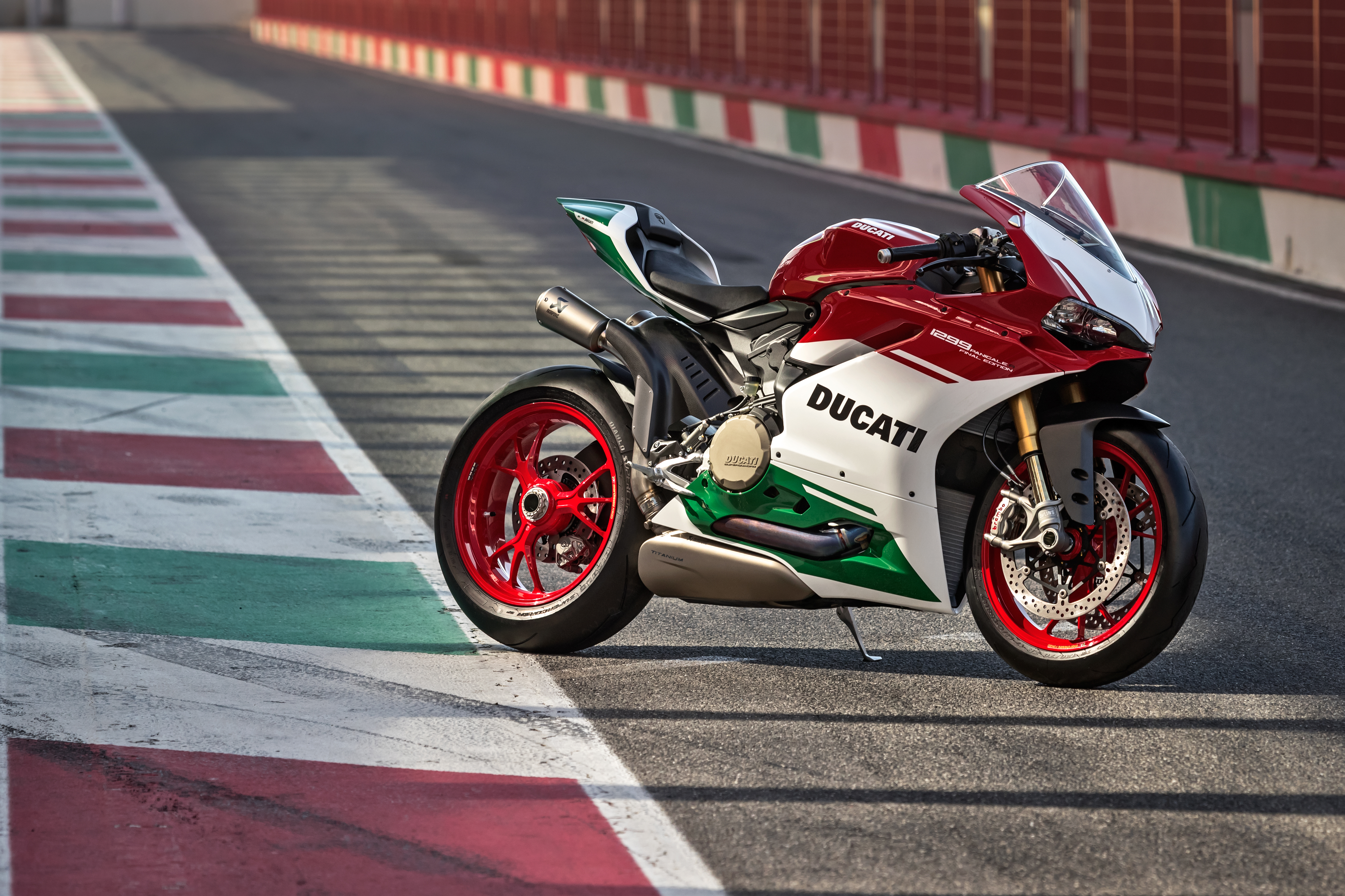 Ducati S 1299 Panigale R Final Edition Is The Exquisite End Of An Era Robb Report