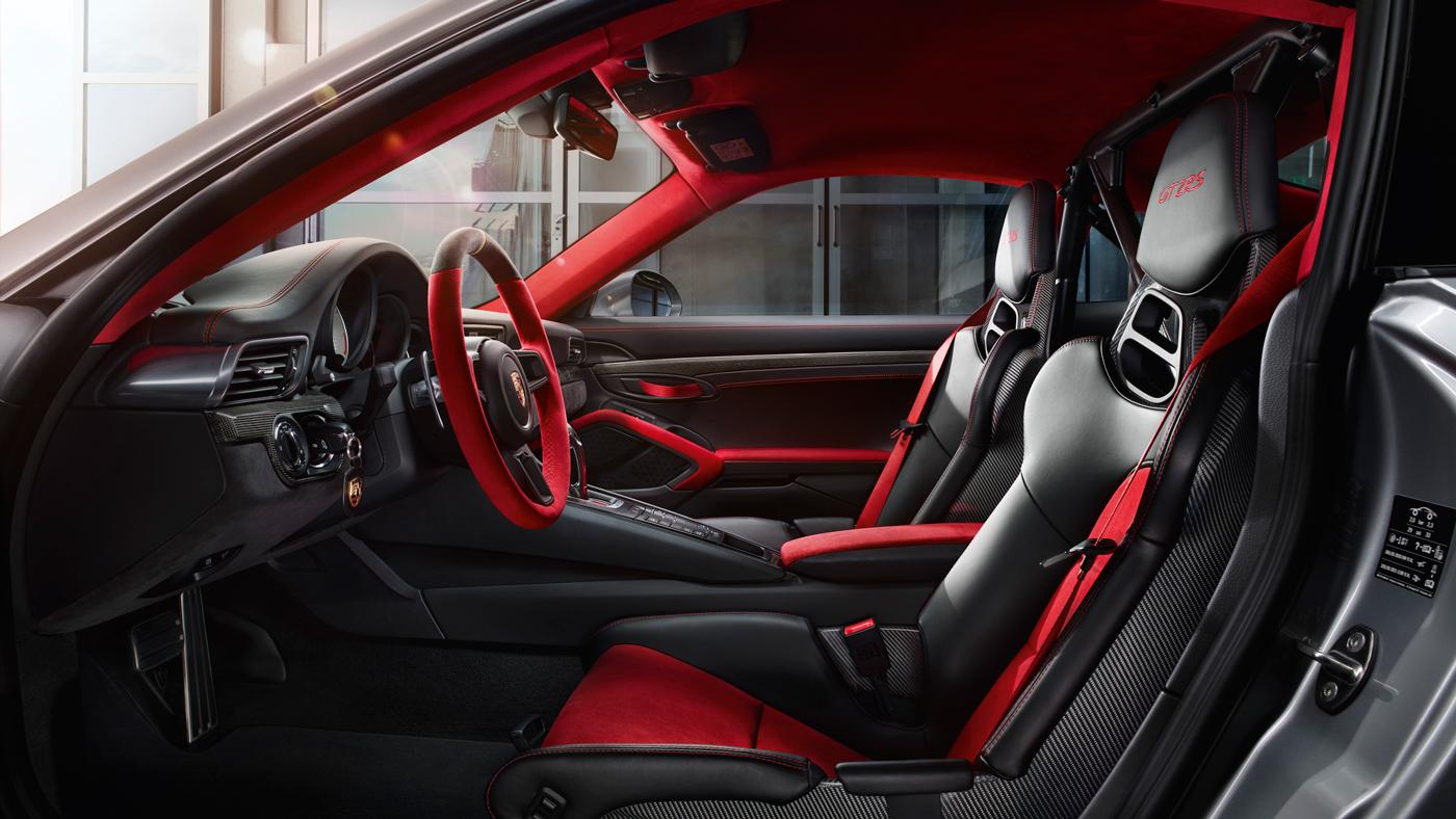 An image of the interior of a 2018 Porsche 911 GT2 RS interior.