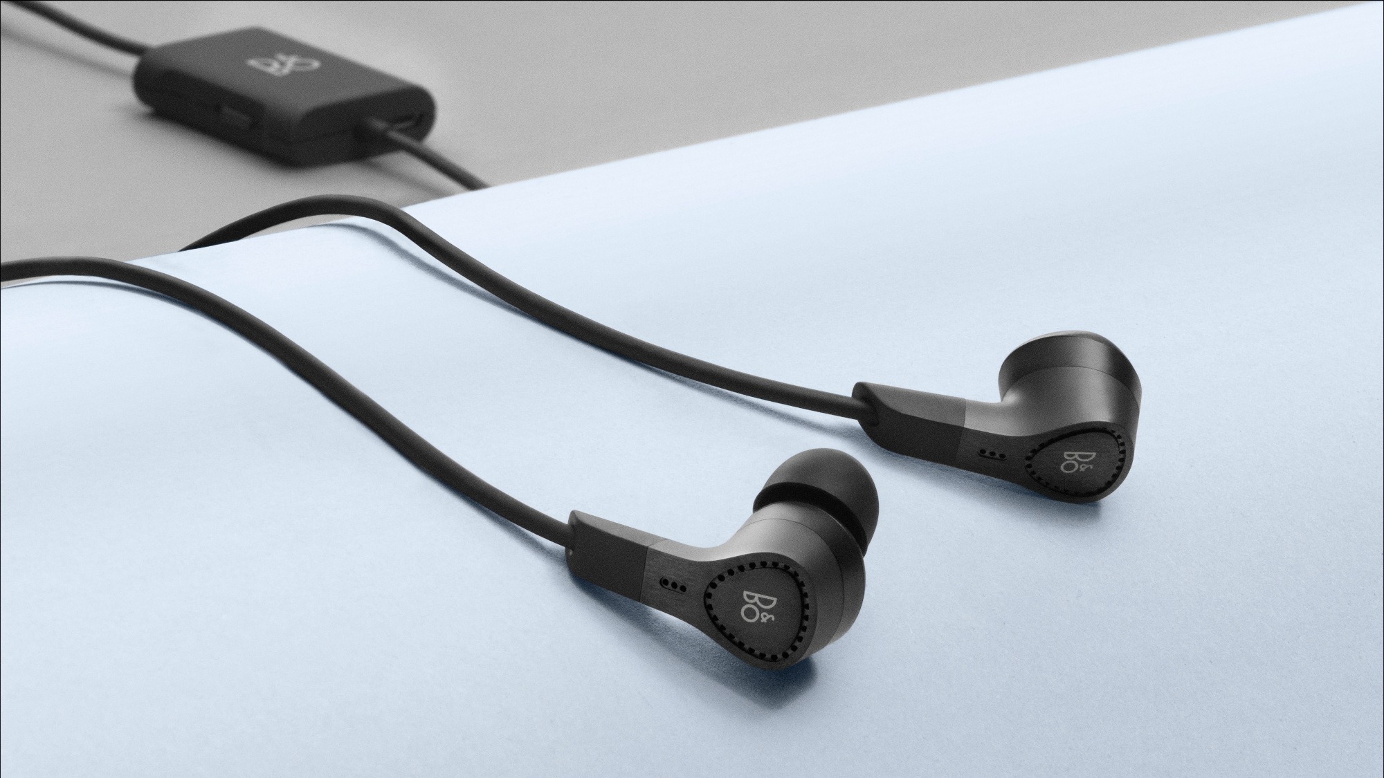Bang & Olufsen BeoPlay E4 noise-cancelling earbuds