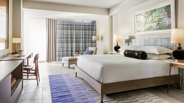 The Rowan Palm Springs bedroom