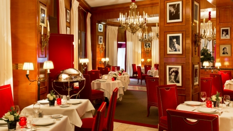 Bouquet's restaurant interior of dining room