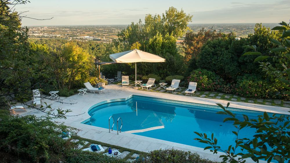 Il Galero exterior of pool