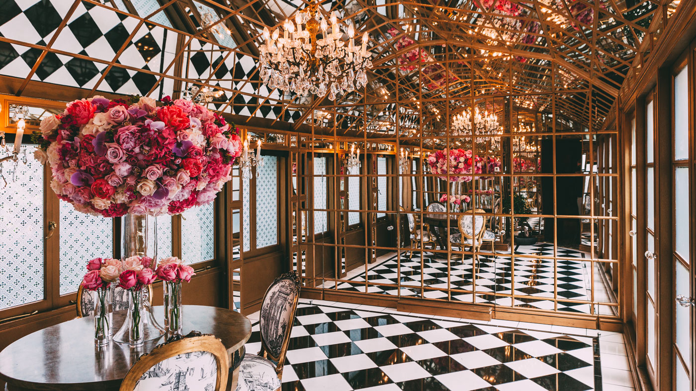 11 Cadogan Gardens tiled floor interior with chandeliers