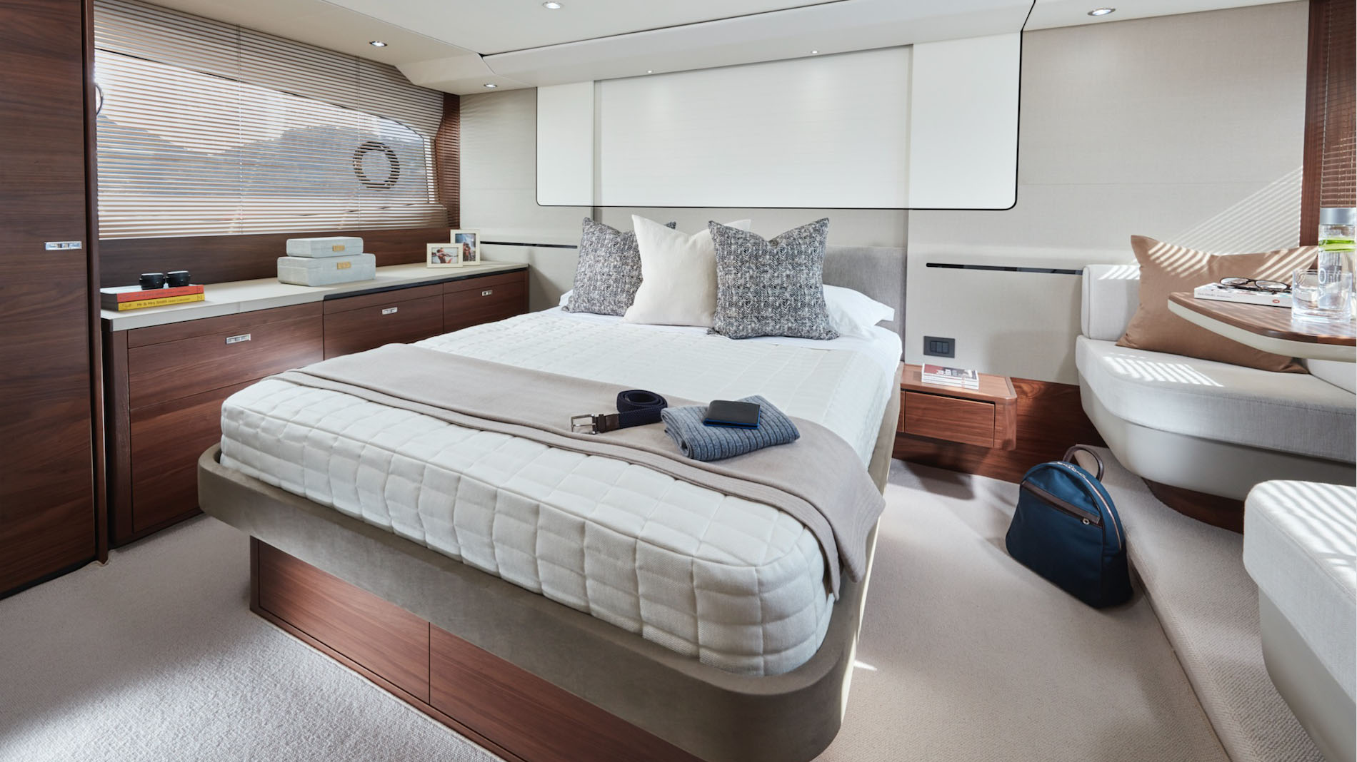 Princess Yachts Princess 62 Flybridge Yacht