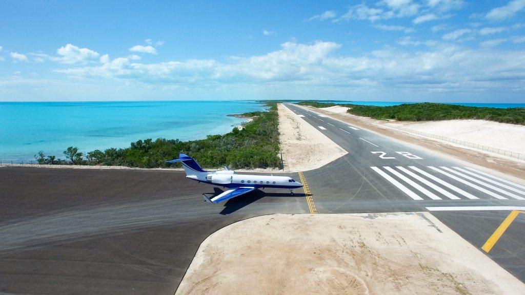 Blue Island airstrip private jet