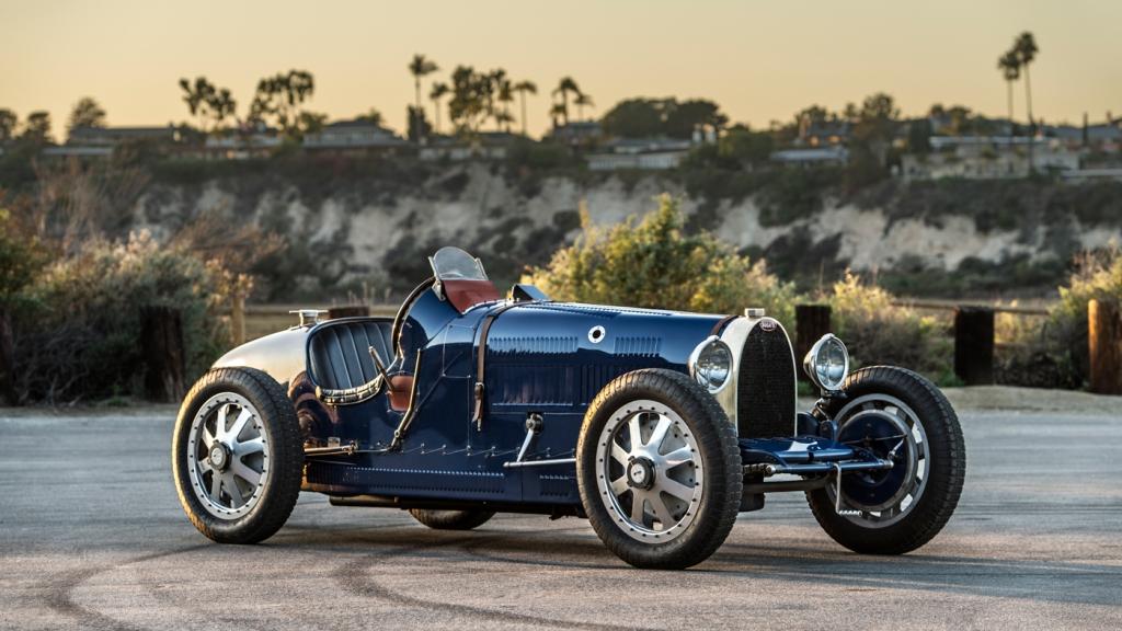 A Pur Sang replica of the Bugatti Type 35B.