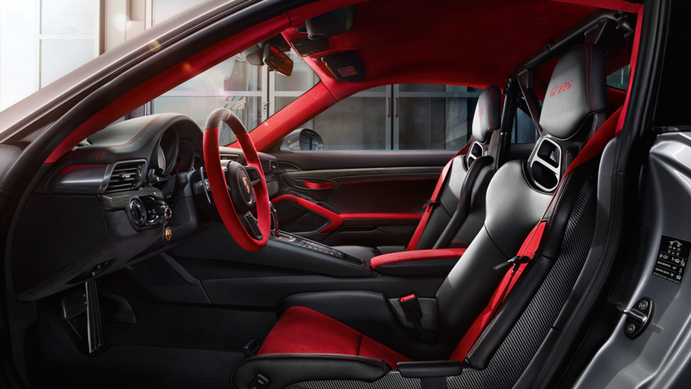An image of the interior of the 2018 Porsche 911 GT2 RS.