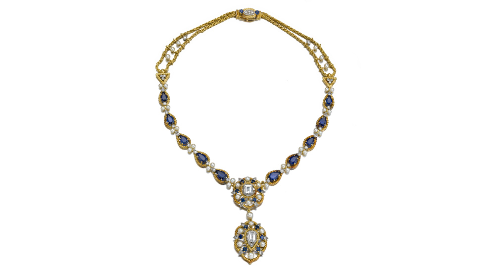 Yellow-gold necklace by Cartier