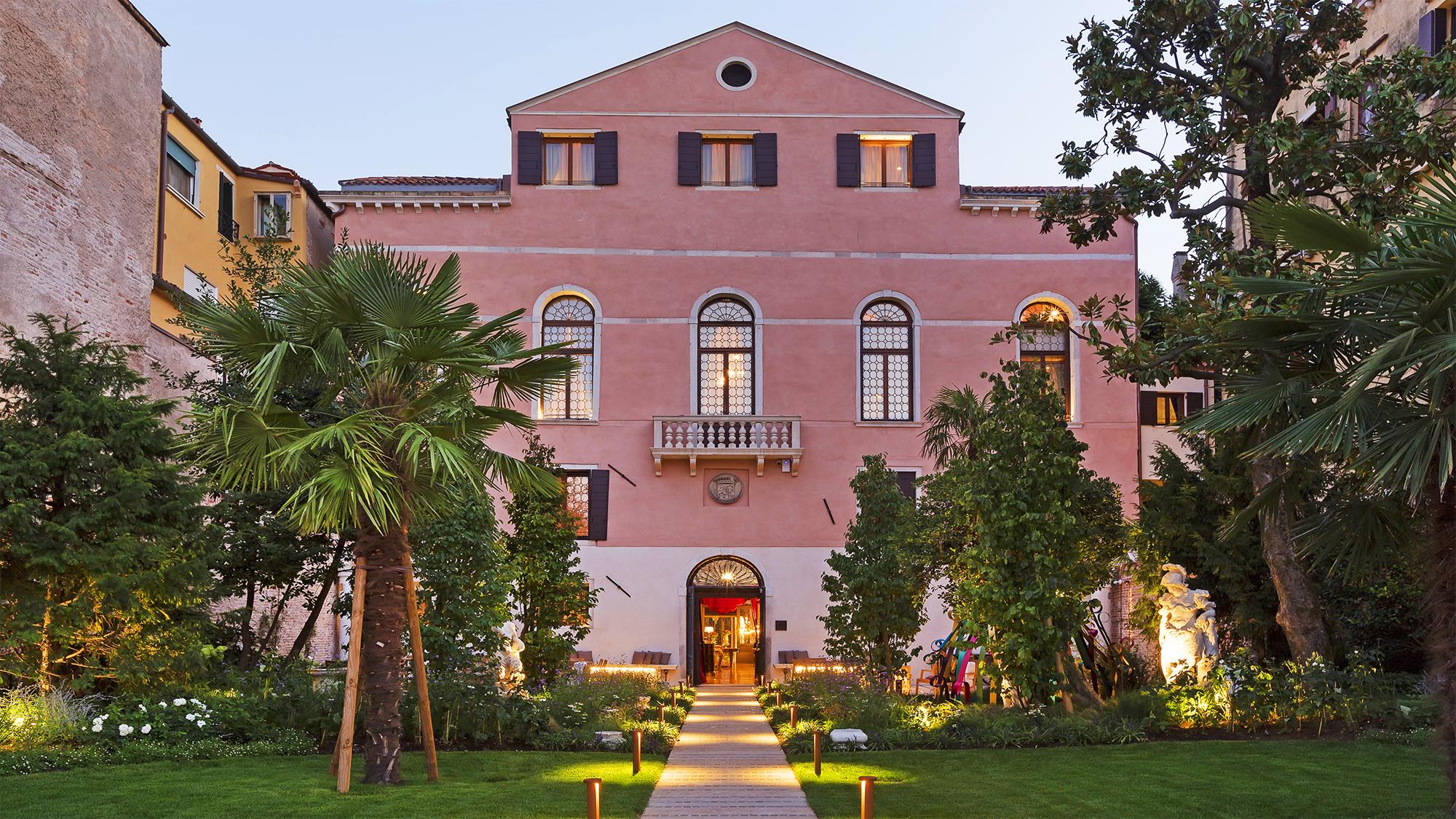 Palazzo Venart: Exterior, After