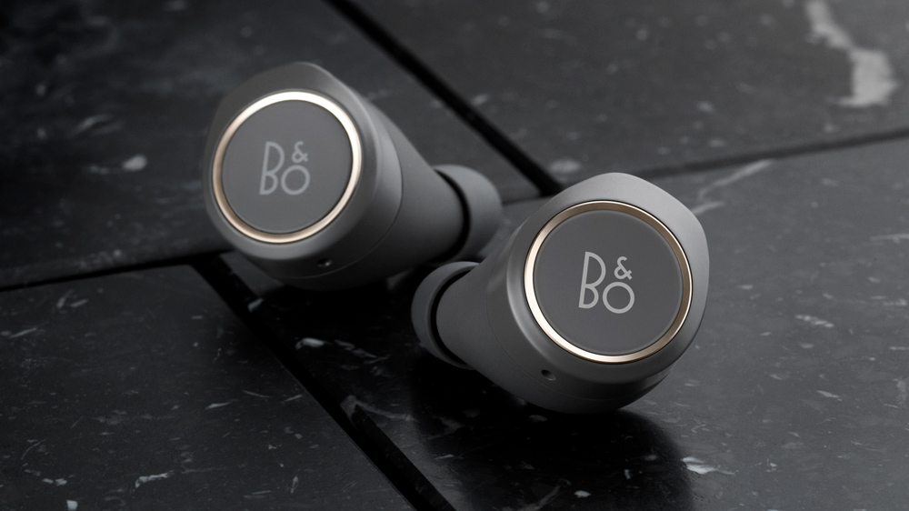 Beoplay E8 earbuds in charcoal gray
