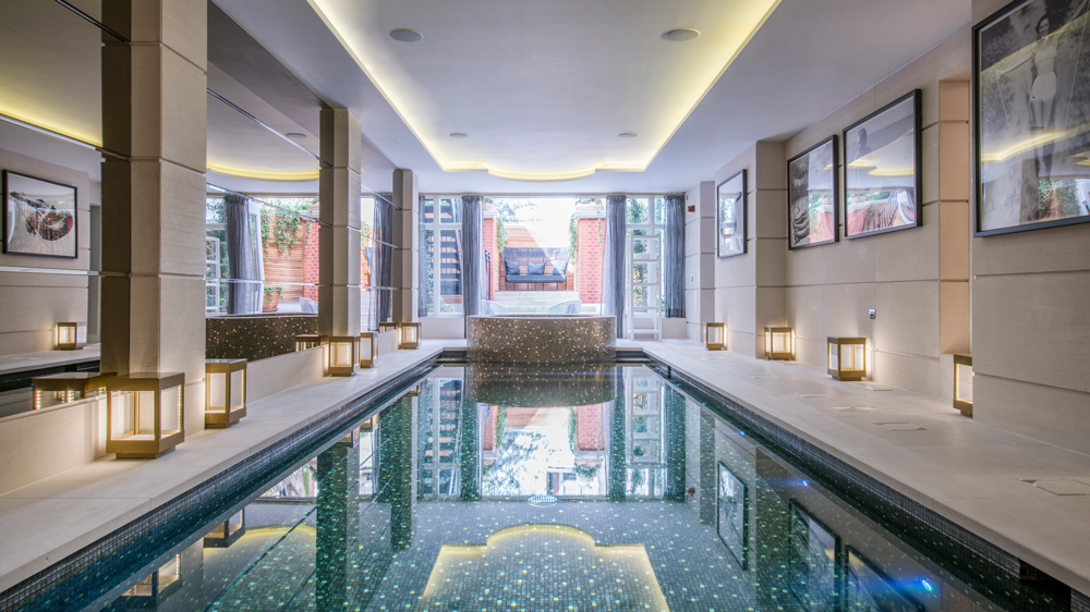 swimming pool in Mansion House in London