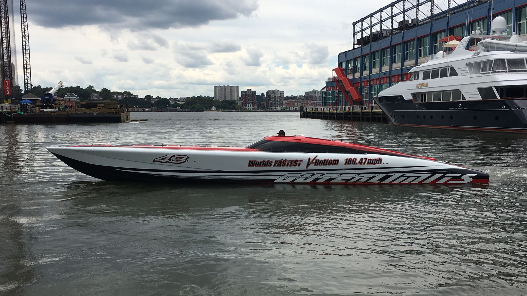 Outerlimits SV43 Powerboat speedboat