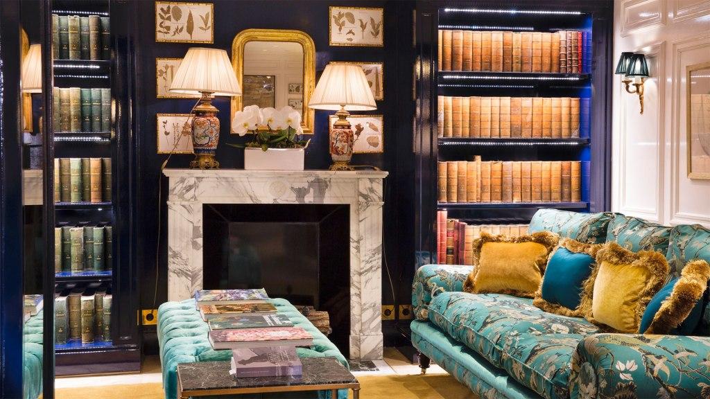 Relais Christine lounge in paris