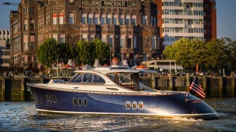 Zeelander's Z55 Flagship Yacht sport cruiser