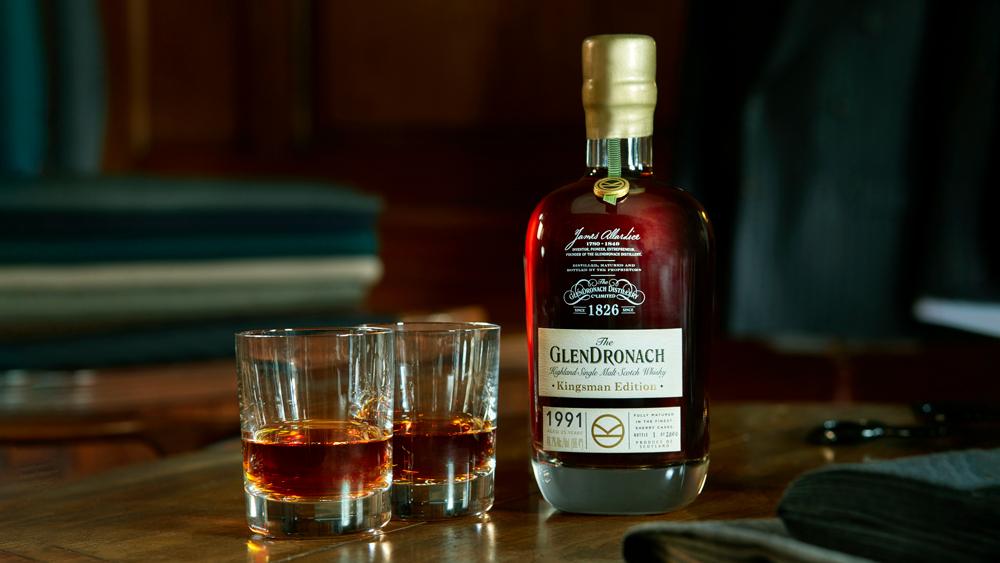 GlenDronach Kingsman Whisky bottle and glasses