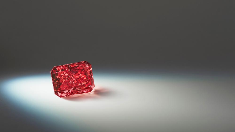 Argyle Everglow red diamond