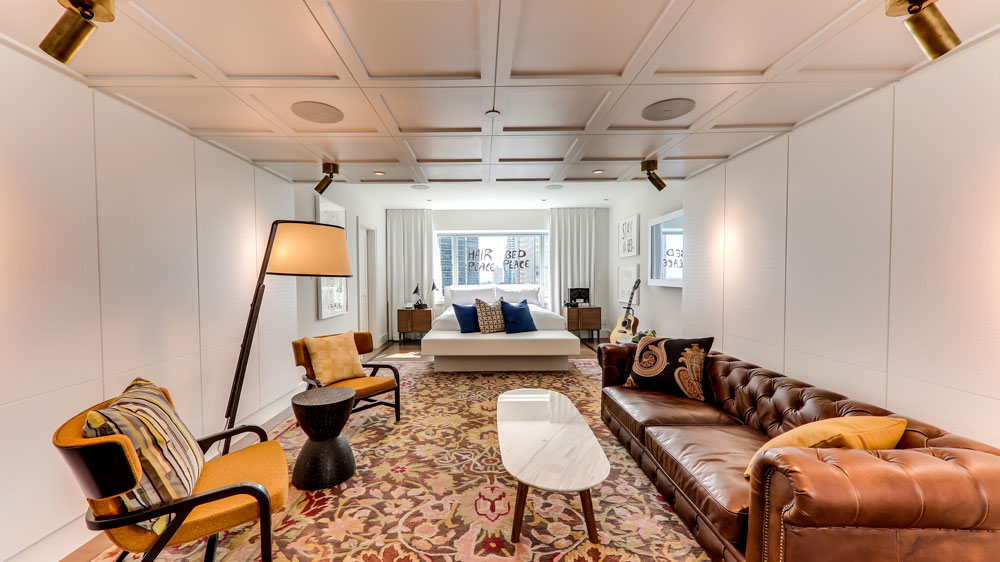 Fairmont Queen Elizabeth Reopens John Lennon S Bed In Suite Robb Report