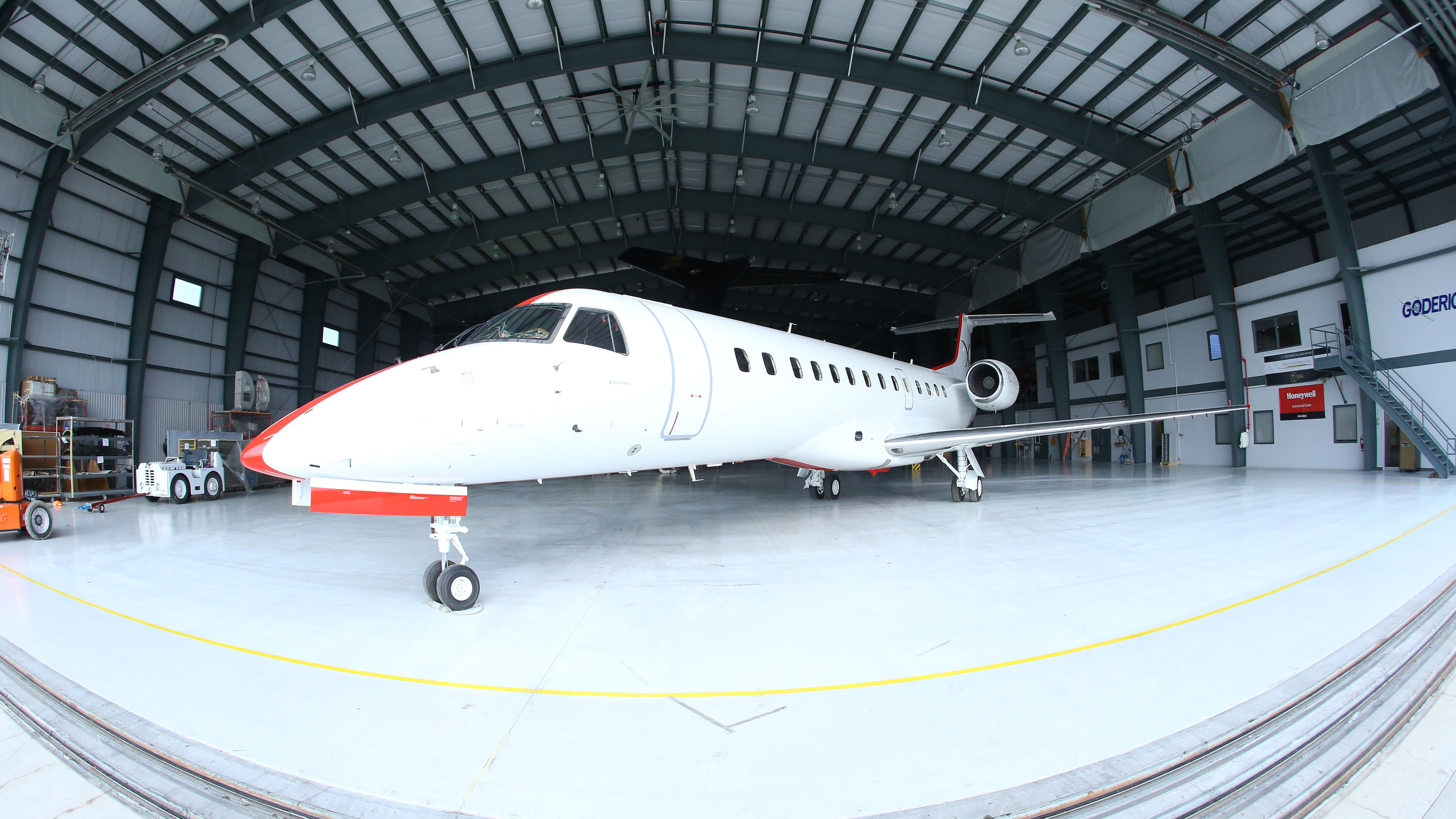 JetSuiteX Embraer UCLA USC college football charter