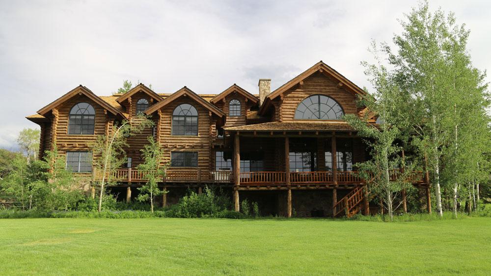 Cross Mountain Ranch lodge