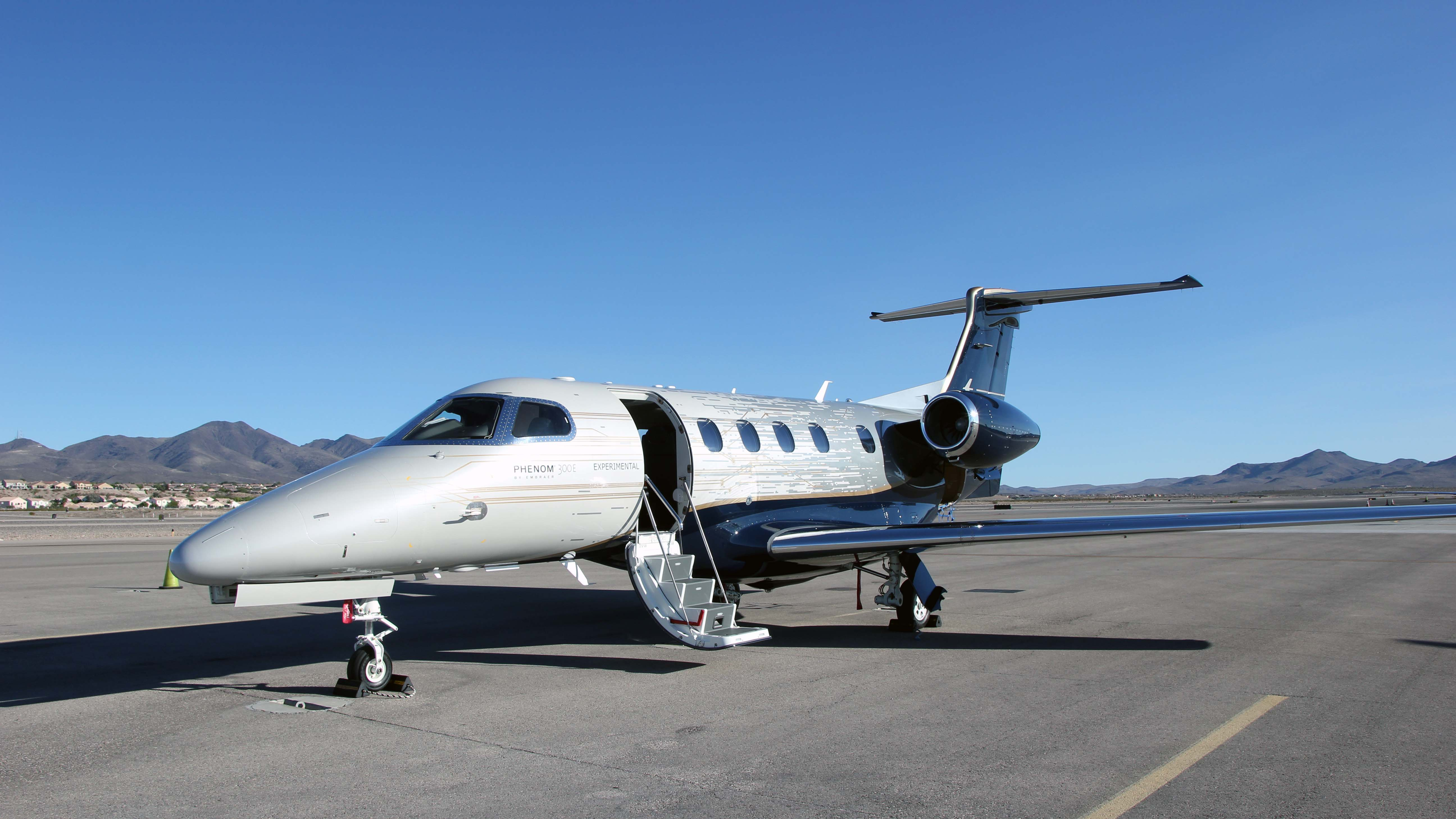 Embraer Phenom 300E Business Jet