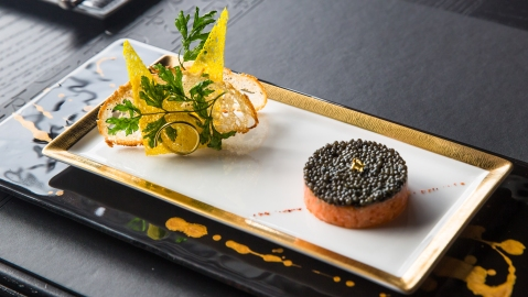 salmon tartar caviar