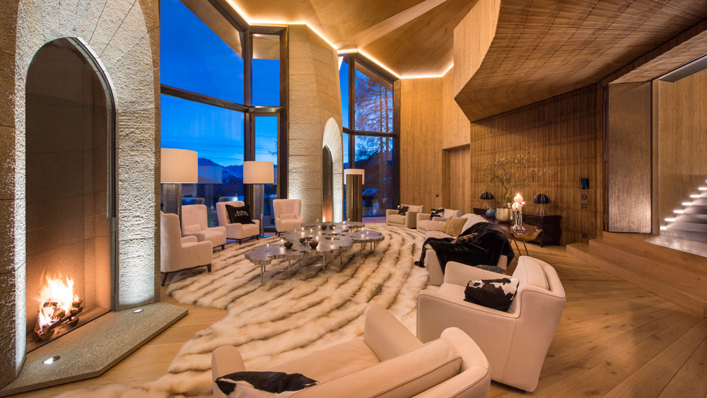 Grand reception area in the evening at the Lonsdaleite estate.