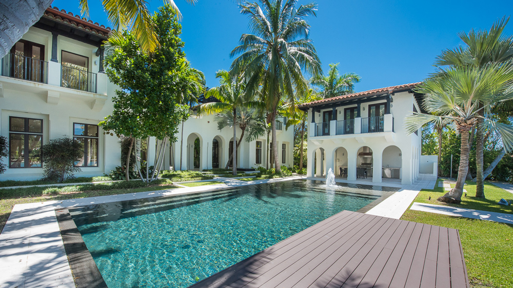 Waterfront mansion in Miami Beach, Florida