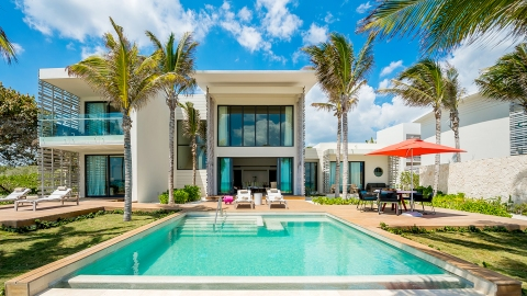 Beach villa in Mayakoba, Mexico