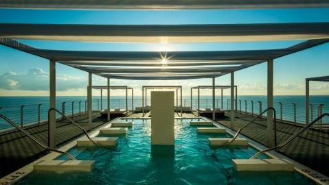 Como Metropolitan Miami Beach hydrotherapy