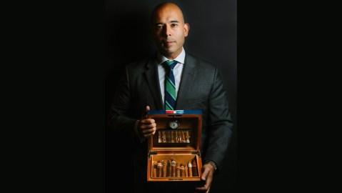 Oscar de la Villa, Jr. cigar sommelier
