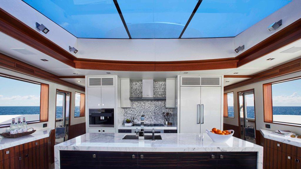 Hatteras M90 Panacera Yacht