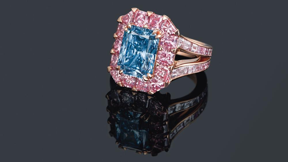 Moussaieff 3.98-carat fancy vivid blue diamond ring
