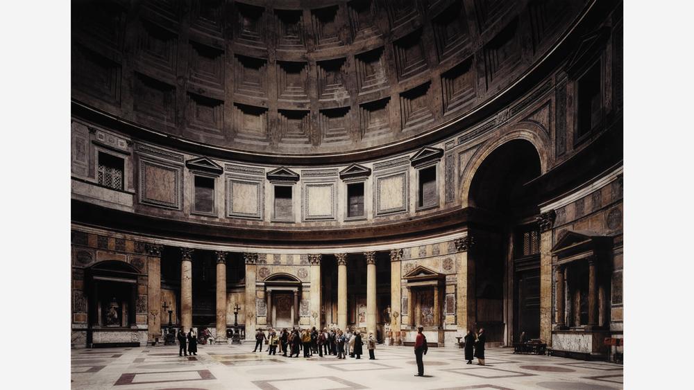 Thomas Struth's 1991 chromogenic print Pantheon (Rome)