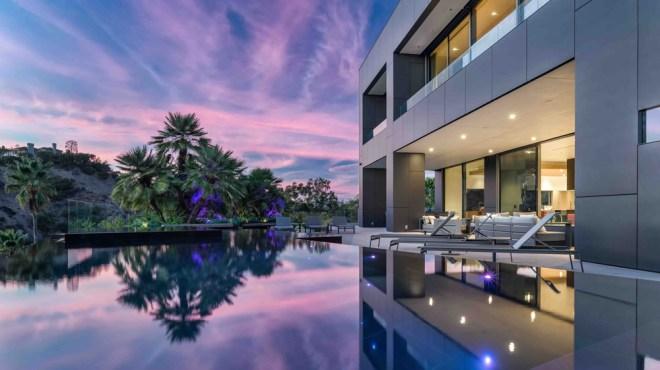 2341 Gloaming way Beverly Hills, CA