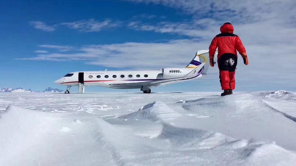 Deer Jet Tests Flights to Antarctica