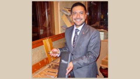 Del Frisco Cigar Sommelier Anthony Ramirez