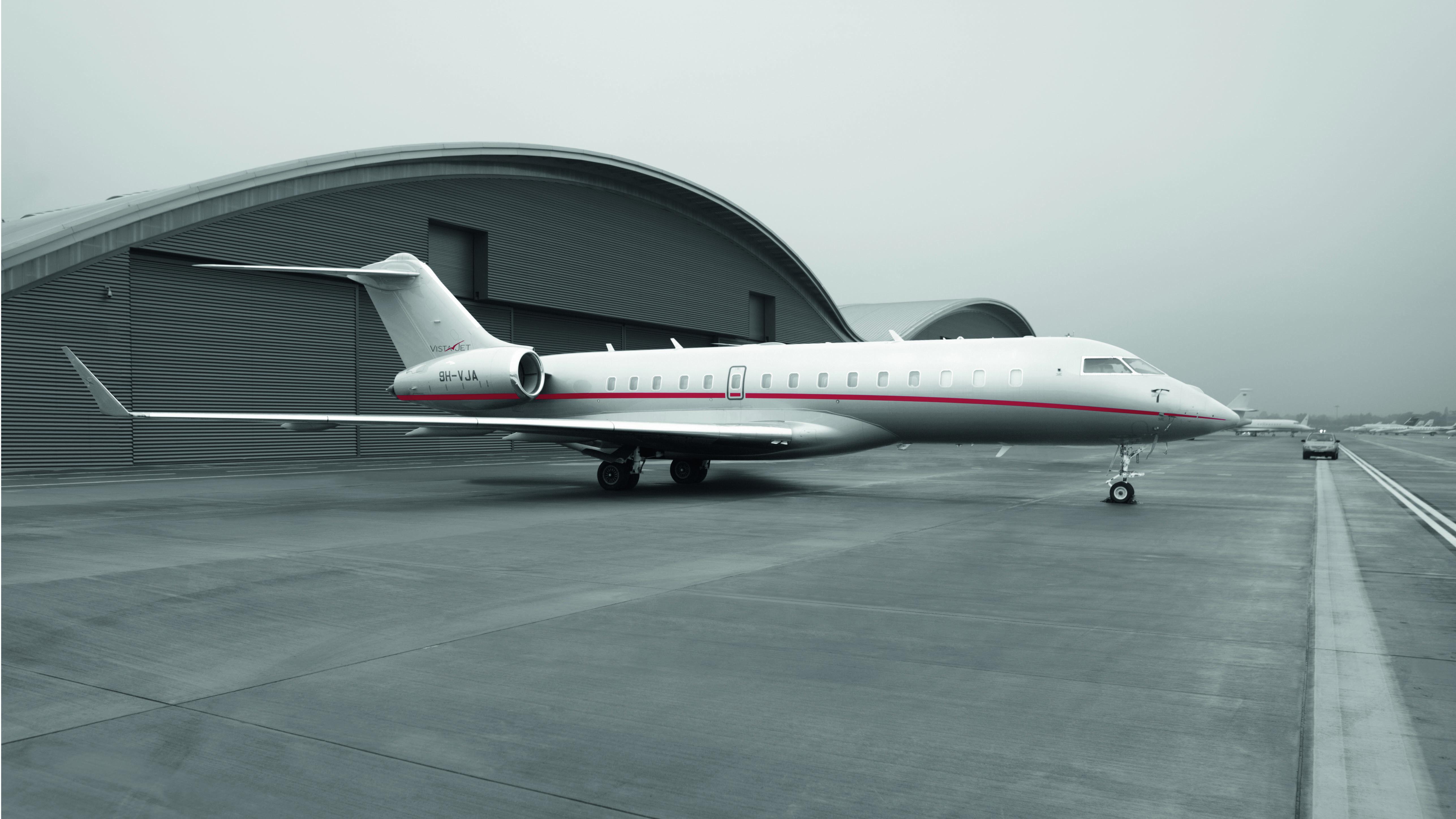 VistaJet Bombardier Global 6000 Christie's Rockefeller