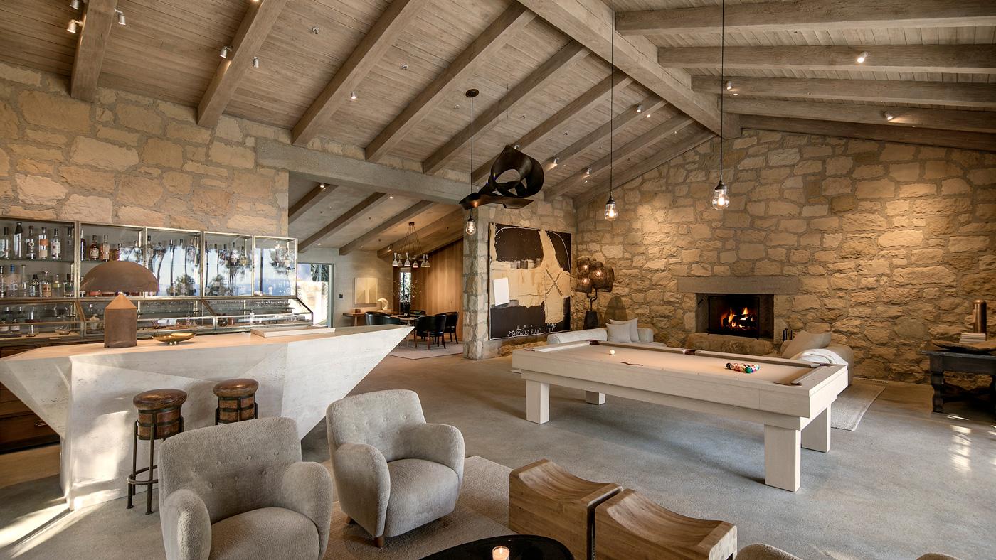 Santa Barbara villa with home bar